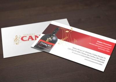 - Cartões de Visita impressos para Vinhos Canção: em papel couché brilho 300g, com impressão 4x4 cores, tamanho 9x5cm, plastificado com prolan fosco.