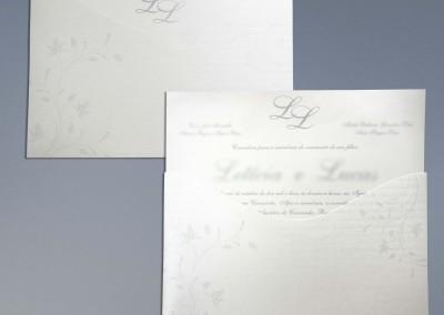 - Convites de casamento: Envelope com corte especial em papel Color Plus Aspen Linear 250g, com impressão 1x0 cor, Convite em papel Color Plus Aspen 250g, com impressão 1x0 cor, tamanho 24X15,7 cm.
